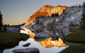 mountain_peak_at_sunset-wide